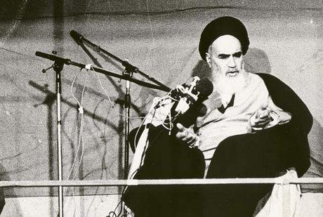 اسلامی تحریک کسی ایک شخص کی وجہ سے نہیں ہے: امام خمینی(رح)