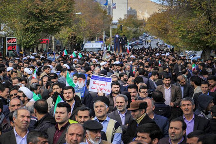 ایران کے کئی شہروں میں عوام کا بلوائیوں اور شرپسندوں کے خلاف احتجاج