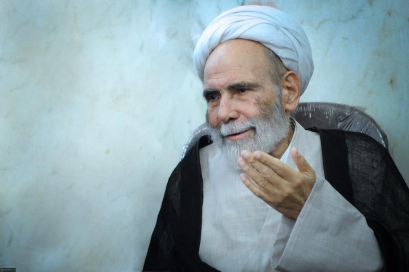 امام خمینی (رح) علماء میں بھی بے نظیر تھے