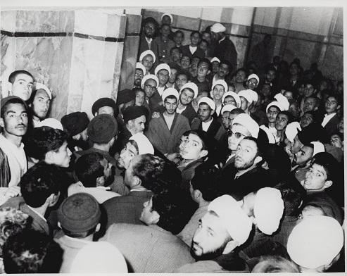 امام خمینی (رح) کے بارے میں علمائے نجف کے خیالات