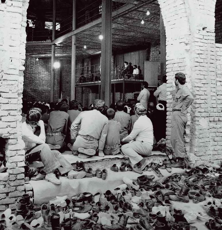 امریکا نے قومی خزانے کو اپنے مفادات کے لئے استعمال کیا:امام خمینی(رح)