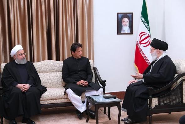 رہبر معظم کی ایران اور پاکستان کے تعلقات کو پہلے سے زیادہ مضبوط بنانے پر تاکید