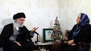 رہبر انقلاب اسلامی عیسائی شہیدوں کے گھر میں