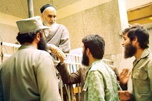 اسلامی ممالک میں مجاہد جوانوں کے لئے رضاکار فوج مکمل طور پر نمونہ عمل ہے