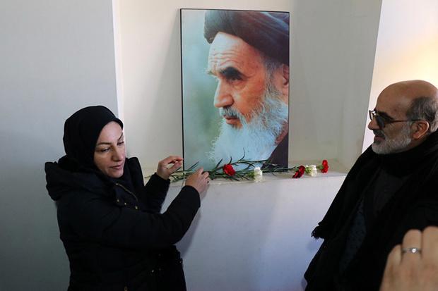 قرآنی کاروان نے امام خمینی(رح) کے گھر کو گلباران کیا