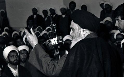 شیعہ  سنی اختلافات سے کس کو فائدہ ہو رہا ہے؟:امام خمینی(رح)