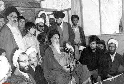 شاہ کے پاس ملک چھوڑنے کے علاوہ کوئی چارہ نہیں: امام خمینی(رح)