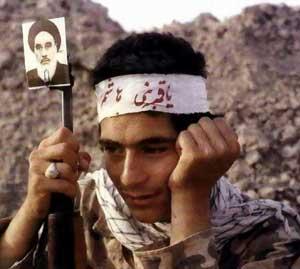 امام خمینی (رہ) کی نگاہ میں دفاع مقدس کی برکتیں