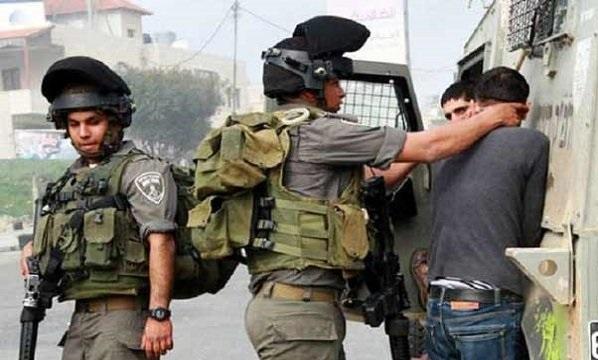 آپ اسرائیل کے مخالف ہیں  اور یاسر عرفات کی حمایت کرتے ہیں ۔ مشرق وسطیٰ کے بحران کے سلسلہ میں  کیا آپ کیسا قدم اٹھائیں گے؟