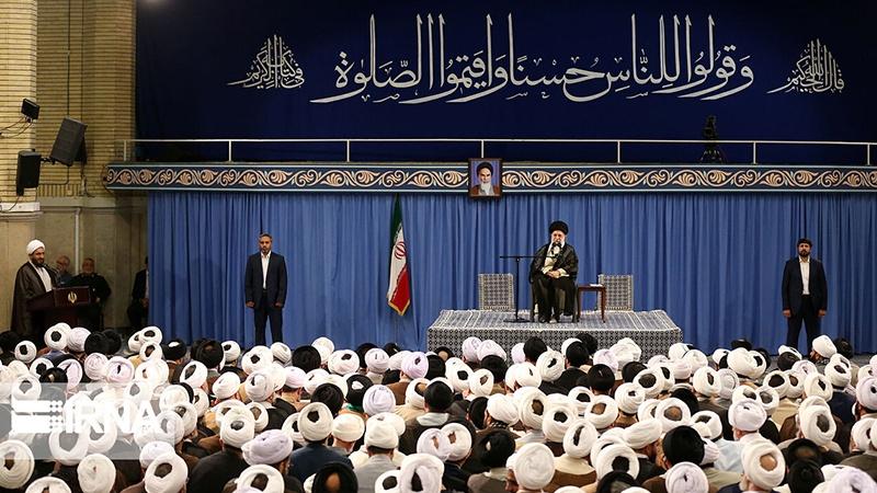 اسلامی جمہوریہ ایران برطانیہ کو ایرانی کشتی پر ڈاکے کاجواب ضرور دے گا : رہبر انقلاب