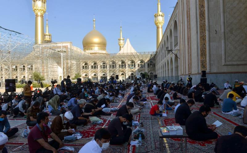 حرم امام خمینی (رح) میں منعقده دعائے عرفہ کی تقریب