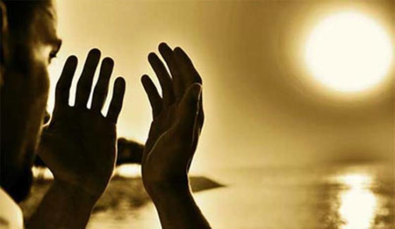 کیا نماز آیات کو بلند آواز میں پڑھنا واجب ہے؟
