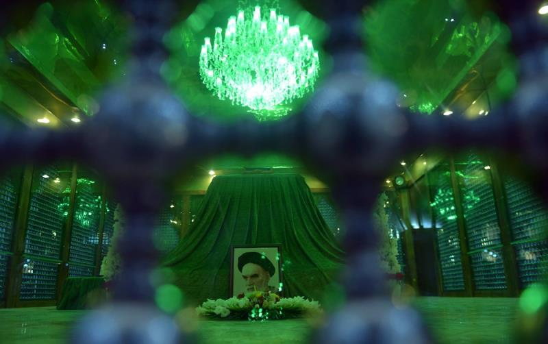 حضرت سکینہ (س) کی یاد میں حرم امام خمینی (رح) میں تین سالہ بچیوں کی اجتماع/2020