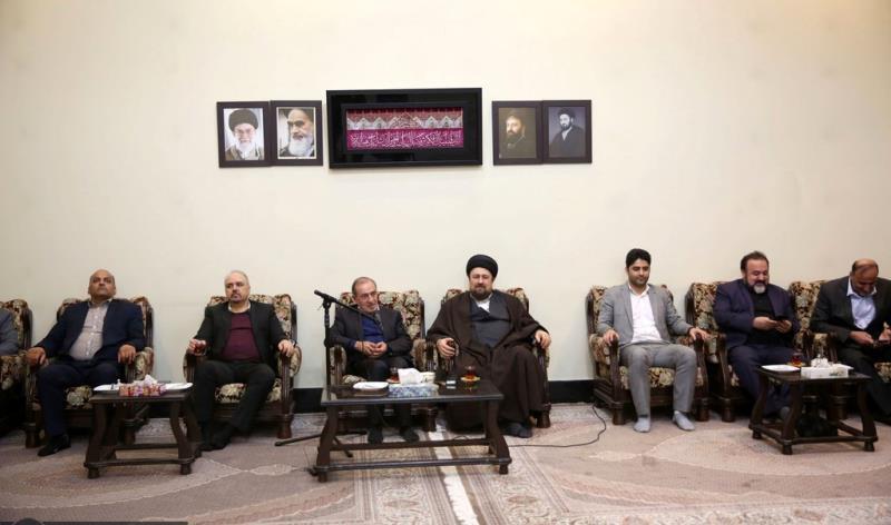 عشره فجر کے موقع پر، صوبوں کی سپریم کونسل کے جنرل ڈائریکٹر اور  اراکین  کی سید حسن خمینی سے ملاقات /2020