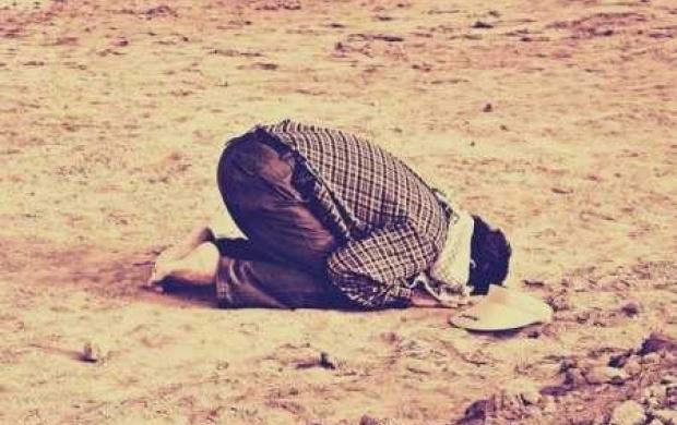 اگر کوئی شخص قیام کر سکتا ہے لیکن قیام کی حالت میں  رکوع نہیں  کر سکتا تو وہ کیا کرے؟