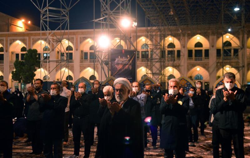حرم امام خمینی (رح) میں محرم کی تیسری رات کی عزاداری کی تصویری جھلکیاں/ 2020