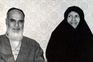 امام خمینی(رح) اپنی اہلیہ کا بہت احترام کرتے تھے