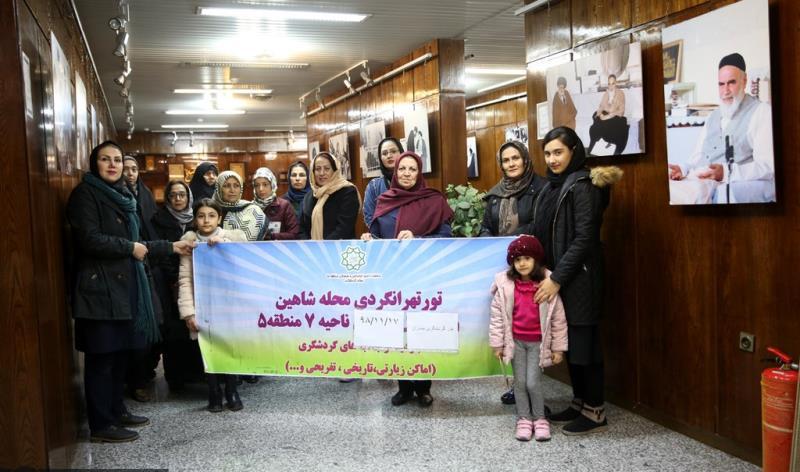 عشرہ فجر کے موقع پر؛ عوام کے مختلف طبقات سے وابستہ افراد کی حسینیہ جماران میں حاضری اور امام خمینی (رح) کی تمناؤں سے تجدید عہد /2020