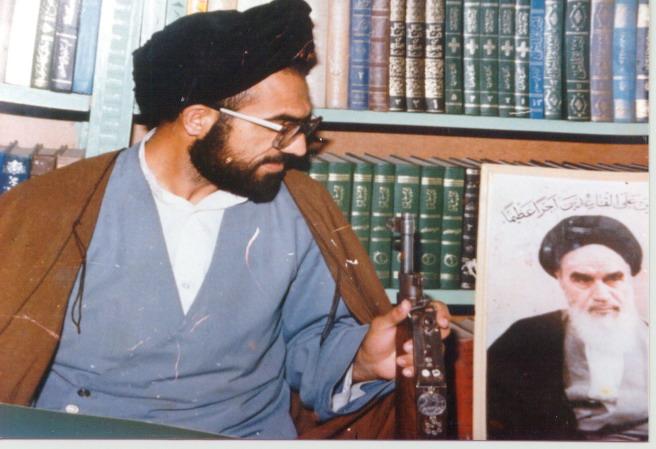شہید علامہ عارف الحسینی سید الشہدا امام حسین علیہ السلام کے حقیقی فرزند تھے، امام خمینی رحمۃ اللہ علیہ