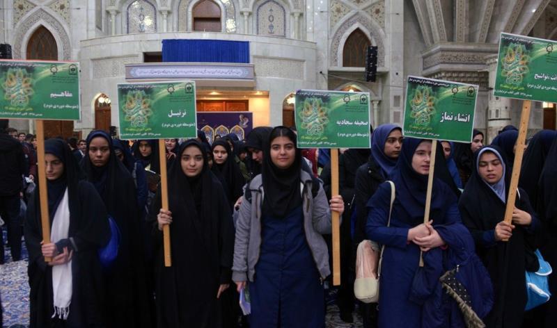 عشرہ فجر کے موقع پر؛ عوام کے مختلف طبقات سے وابستہ افراد، حرم امام خمینی (رح) میں حاضری اور ان کی تمناؤں سے تجدید عہد – 4 /2020