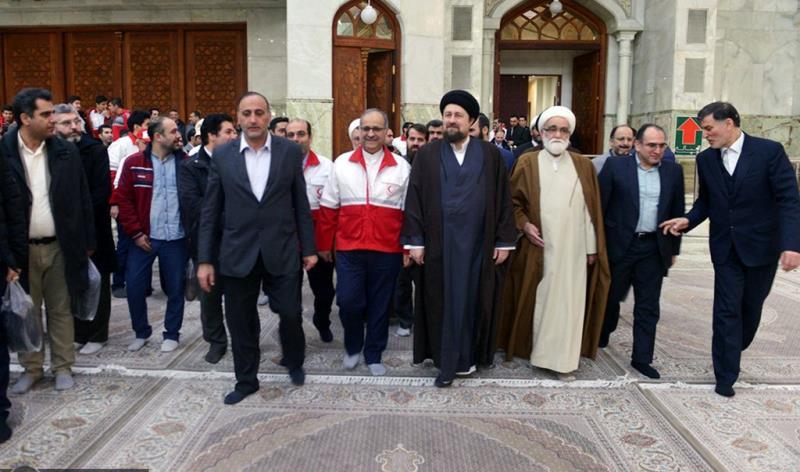 عشره فجر کے موقع پر، ہلال احمر (ریڈ کرسینٹ) کے مینیجرز اور کارکنوں کی حرم امام خمینی (رح) میں حاضری اور ان کی تمناؤں سے تجدید عہد  /2020