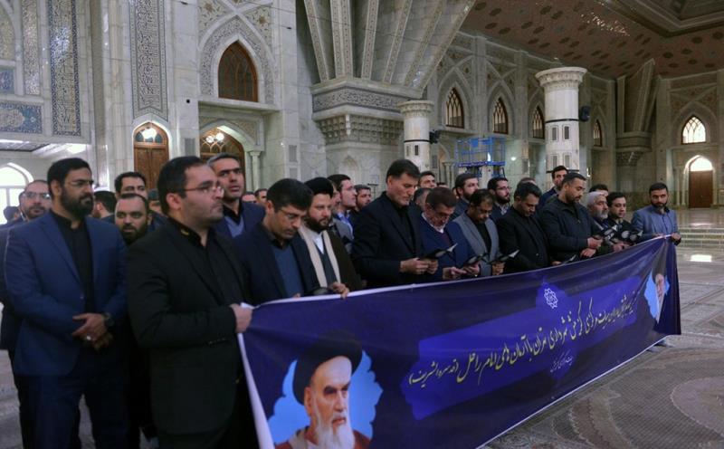 تہران بلدیہ کے مرکزی الیکشن کمیشن کے ڈائریکٹرز کی حرم امام خمینی (رح) میں حاضری اور ان کی تمناؤں سے تجدید عہد /2019