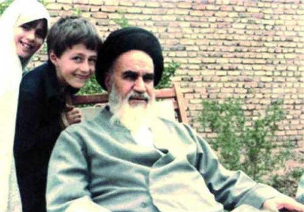 بچوں کی طرف امام خمینی(رح) کی خاص توجہ