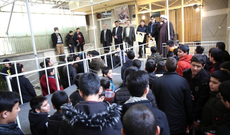 عشرہ فجر کے موقع پر؛ عوام کے مختلف طبقات سے وابستہ افراد اور طلباء کی حسینیہ جماران میں حاضری اور امام خمینی (رح) کی تمناؤں سے تجدید عہد /2020