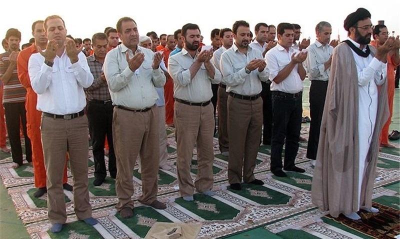 اگر نماز عشاء کے اثناء میں  تین اورچار میں  شک ہواہواوریاد آجائے کہ ابھی تک اس نے نماز مغرب نہیں  پڑھی تو کیا نماز باطل ہے؟