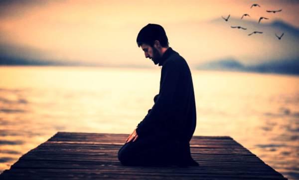 سوال: روزانہ کی نمازہائے پنچجگانہ کی ہر رکعت میں  کتنی رکوع  واجب ہے؟ کم یا زیاده ہونے کی صورت میں حکم کیا ہے؟