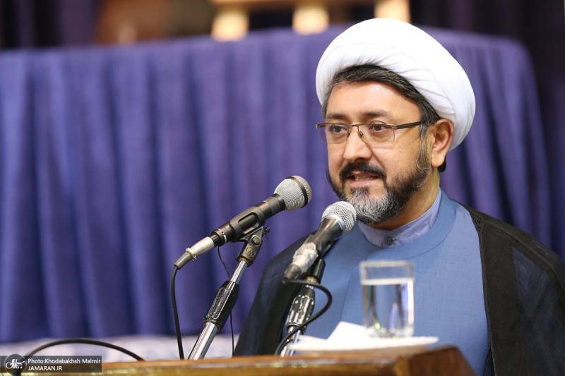 جمعرات کو جماران امام بارگاہ میں موسسہ تنظیم و نشر آثار امام خمینی کے نئے سربراہ کی تعارفی تقریب منعقد ہوئی