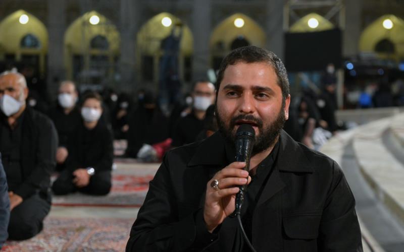 حرم امام خمینی (رح) میں محرم کی آٹھویں رات کی عزاداری کی تصویری جھلکیاں/ 2020