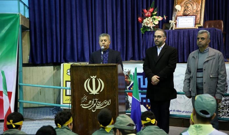 طلباء کی موجودگی میں حسینیہ جماران میں امام خمینی (رح) کی وطن واپسی کی تقریب /2020