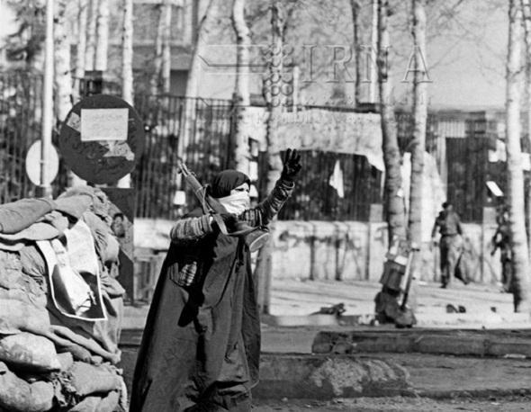 اسلامی انقلاب کی کامیابی میں خواتین نے مردوں سے زیادہ اہم کردار ادا کیا ہے:امام خمینی(رہ)