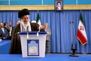 انتخابات میں حصہ لینا شرعی ، قومی اور انقلابی فریضہ ہے: رہبر انقلاب اسلامی