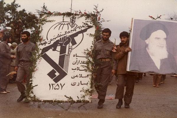 سپاہ پاسداران کو دین اسلام کی حفاظت کے لئے اللہ نے چنا ہے:رہبر کبیر انقلاب اسلامی