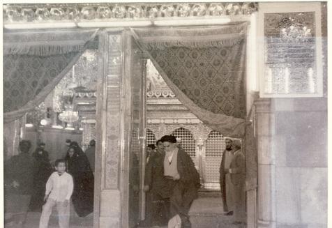 حرم اامیرالمومنین علیہ السلام میں امام خمینی(رح) کن آداب کی رعایت کرتے تھے