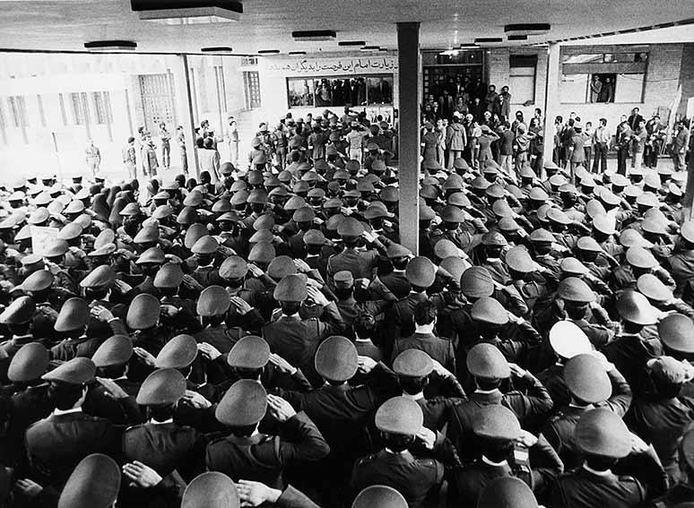 ہم ایک خود مختار ملک بنانا چاہیتے ہیں:امام خمینی(رح)