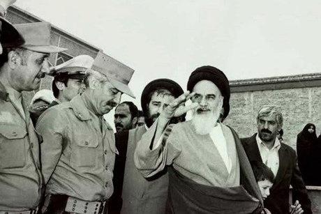 امام خمینی(رح) نے ایرانی حکام کو کس بات سے منع کیا؟
