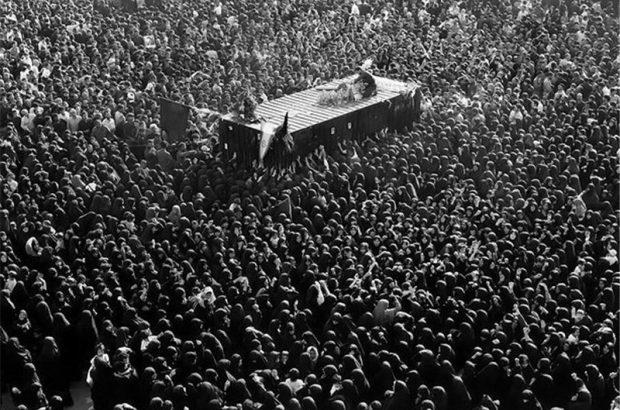رہبر انقلاب امام خمینی انتقال کر گئے