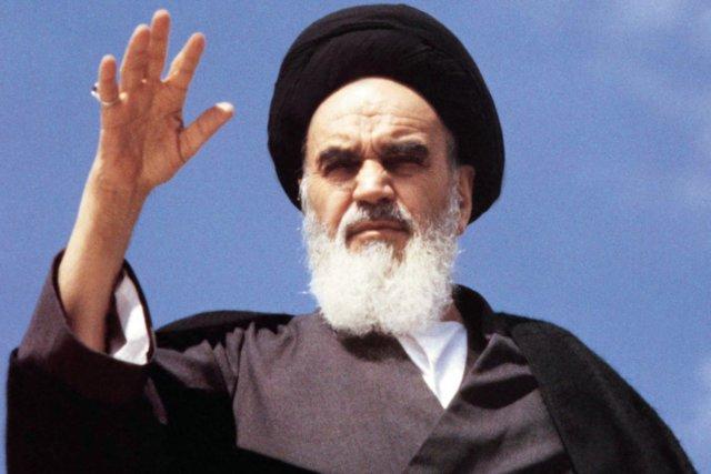 امام خمینی عظیم الشان قائد تھے