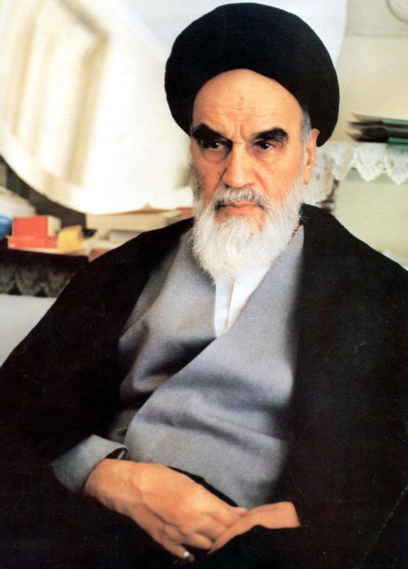 امام خمینی  عالم اسلام کے رہبر ہیں