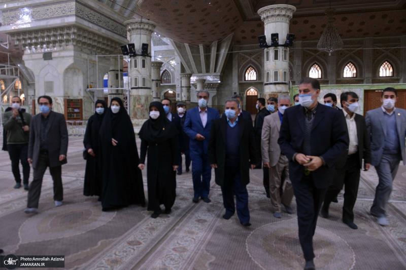 حرم امام خمینی (رح) میں تہران صوبہ کی سٹی کونسل کے اراکین کی حاضری اور ان کی تمناؤں سے تجدید عہد / 2021