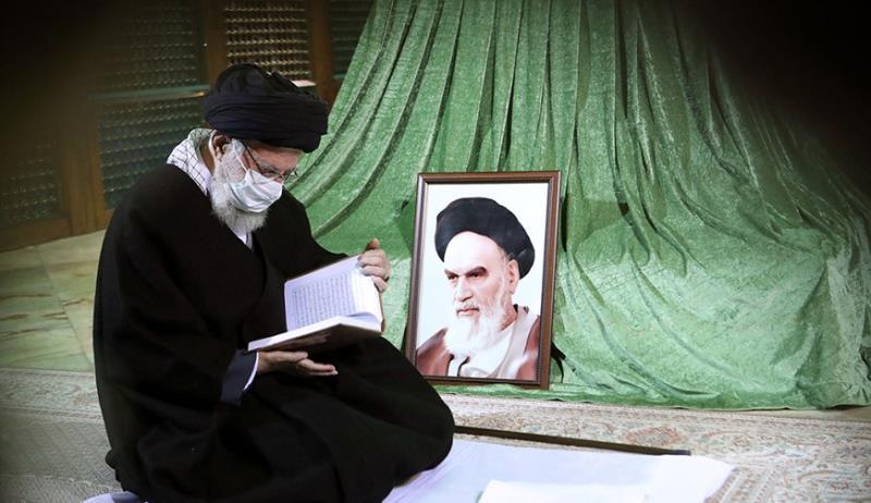 اسلامی انقلاب کی سالگرہ پر رہبر انقلاب اسلامی کی امام خمینی(رح) کے مزار پر فاتحہ خوانی