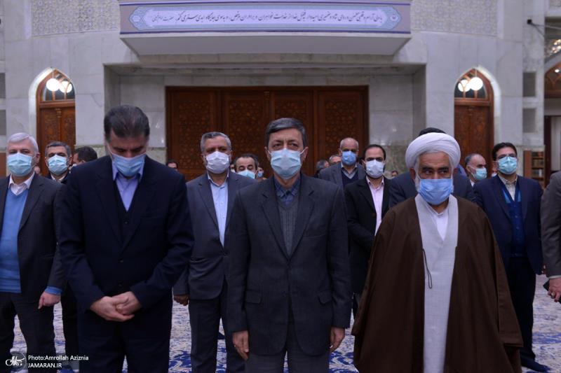 عشرہ فجر کے موقع پر؛ حرم امام خمینی (رح) میں مستضعفان فاؤنڈیشن کے مینیجرز اور کارکنوں کی حاضری اور ان کی تمناؤں سے تجدید عہد/ 2021ء