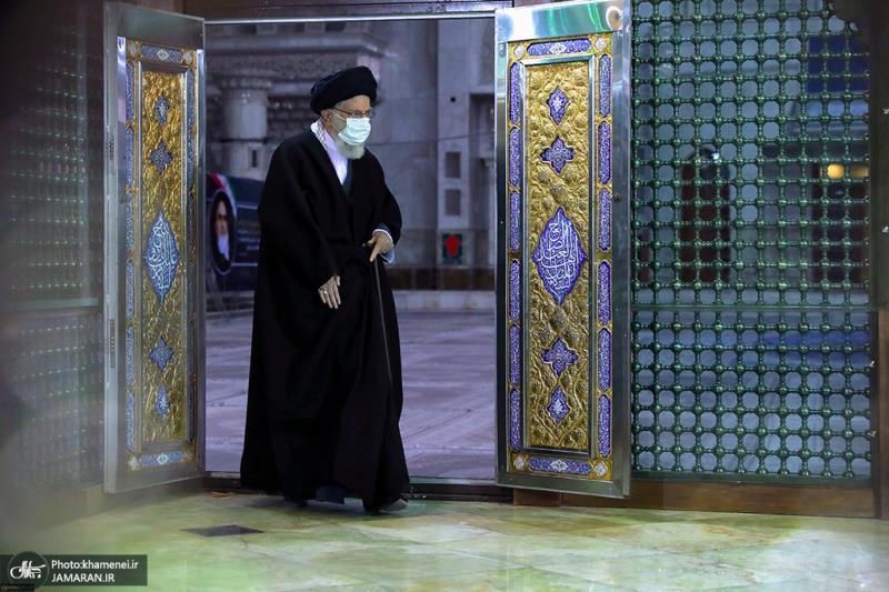اسلامی انقلاب کی ساگرہ کے موقع پر؛  رہبر انقلاب اسلامی کی امام خمینی(رح) کے مزار پر فاتحہ خوانی/2021ء