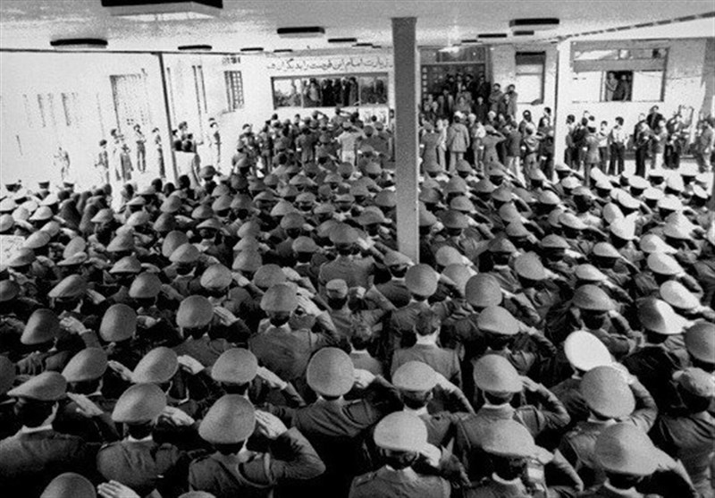 امام خمینی (رح) سے ایرانی فوج اور فضائیہ کے جوانوں کی وفاداری کا اعلان