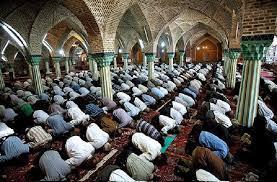 امام اور ماموم کے میان اور صفوں کے درمیان کس حد تک فاصلہ ہونا چاہیئے؟