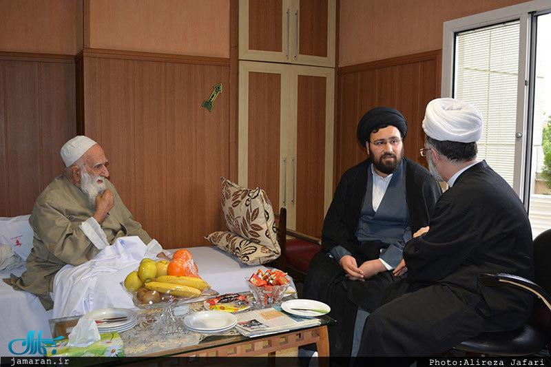 آیت اللہ عبداللہ نظری کے ساتھ امام خمینی کے پوتوں کچھ یاد گار تصویریں