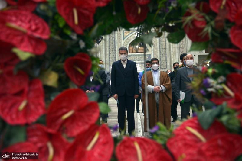عشره فجر کے موقع پر؛ ذاکرین سوسائٹی اور آیینی شعراء کی حرم امام خمینی (رح) میں حاضری اور ان کی تمناؤں سے تجدید عہد /2021ء
